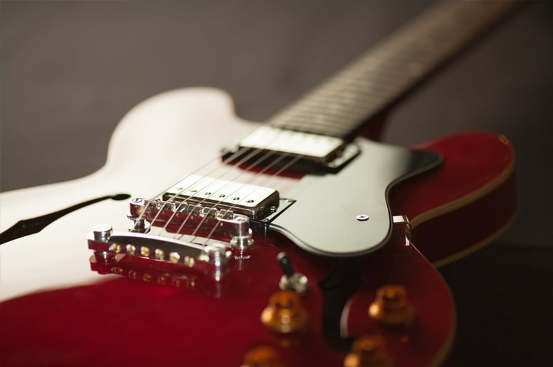 Electric-guitar-min