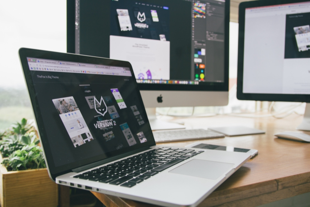 apple-design-desk-285814